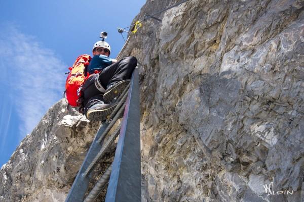 erste Leiter im Klettersteig